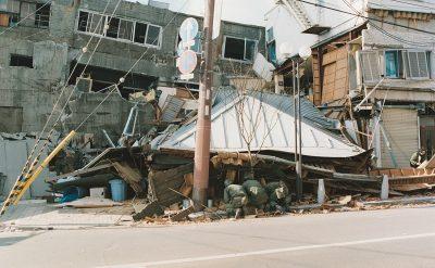 倒壊した家(神戸市)