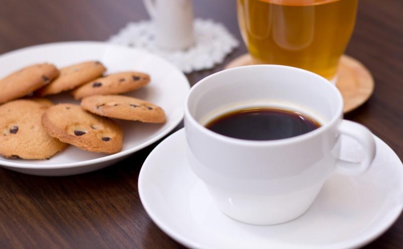 イニックコーヒーとクッキー